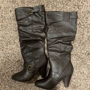 New dark brown boots size 6 1/2